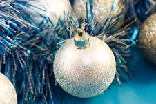 Free Christmas Baubles And Tinsel Royalty Free Stock Images - 10290509