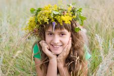 Free Young Girl With A Wreath Stock Image - 10290541