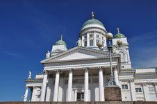 Free Helsinki Cathedral With A Lamp Stock Photo - 10291940
