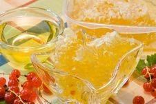 Free Honeycomb Royalty Free Stock Photos - 10299468