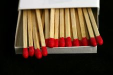 Free Red Tipped Wooden Match Sticks Royalty Free Stock Image - 1031306