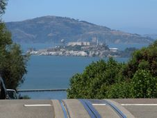 Free Alcatraz Island From Lombard Street Royalty Free Stock Photography - 1034837
