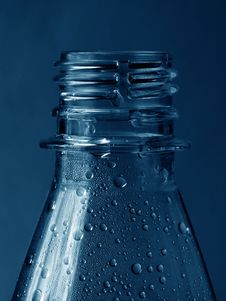 Free Low Key Water Bottle Royalty Free Stock Photography - 1036127