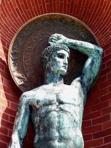Free Bronze Hero With Shield Stock Image - 1038081
