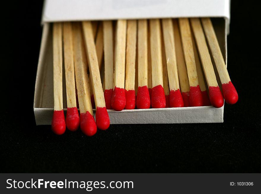 Red Tipped Wooden Match Sticks