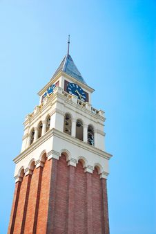 Free Towering Majestic Clock Tower Royalty Free Stock Photography - 10300247