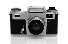 Free Old Pellicle Camera Royalty Free Stock Photo - 10300555