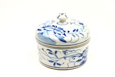Free White And Blue Ceramic Pot Stock Photo - 10300600