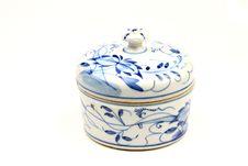 Free White And Blue Ceramic Pot Stock Photo - 10300600