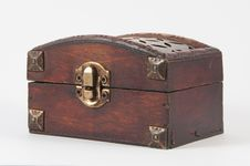 Free Wooden Chest Royalty Free Stock Photo - 10301265