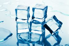 Free Melting Ice Cubes Royalty Free Stock Image - 10311936