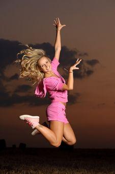 Free Girl Outdoor Jumping Royalty Free Stock Photos - 10312498