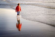 Free Young Girl On Beach Royalty Free Stock Photography - 10314627