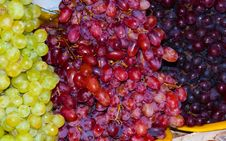 Free Three Coloured Grapes Royalty Free Stock Images - 10315209