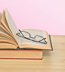 Free Glasses On Open Book Stock Photography - 10317232