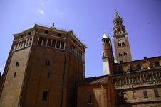 Free Cathedral And Baptistery Cremona Royalty Free Stock Photos - 10317478