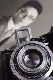 Free Old Camera And Old Photo Stock Photo - 10320370