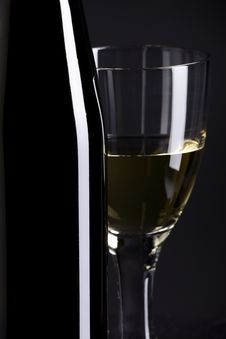 Free Wine Bottle And Glass Royalty Free Stock Images - 10324589