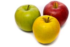 Free Red, Yellow And Green Fresh Apples Royalty Free Stock Photography - 10327157