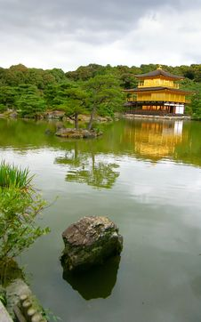 Free The Golden Pavilion Temple Stock Image - 10329301