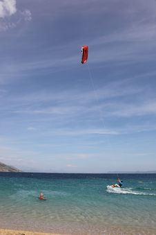 Free Kiteboarding @ Zlatni Rat Beach Royalty Free Stock Images - 10330359