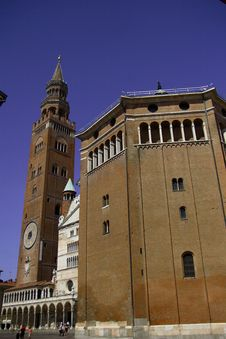 Free Cathedral And Baptistery Cremona Stock Image - 10330741
