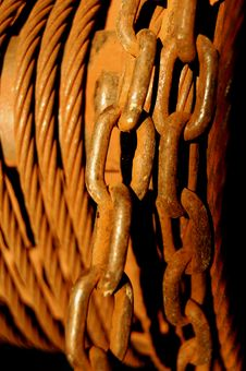 Free Rusted Chain Royalty Free Stock Photo - 10330995