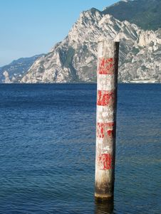 Free Red And White Wooden Pole Stock Photo - 10336540