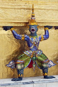 Free Garuda Sculpture Stock Images - 10337534