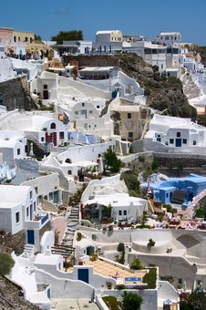 Free White Houses On A Cliff Royalty Free Stock Images - 10339379