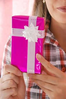 Free Woman Holds PRESENT Stock Images - 10342064