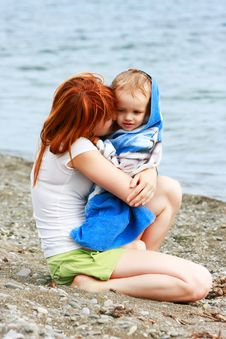 Free Mother And Son On Beach Royalty Free Stock Image - 10345876