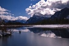 Free Vermillion Lake At Spring Royalty Free Stock Images - 10346039