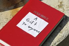 Free A Book As A Gift - The Holy Bible Stock Images - 10349714