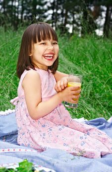 Free Little Girl Having Picnic At Park Royalty Free Stock Photos - 10352158