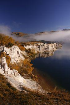 Misty Lake Royalty Free Stock Images