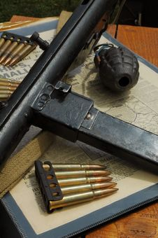 Free WW2 Weapons Stock Image - 10354121