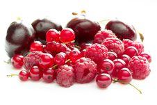 Free Raspberries, Currants And Cherries Stock Photos - 10356643