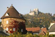 Free Kuenringer Castle Ruins Overlooking D�rnstein Royalty Free Stock Image - 10358166