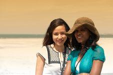 Free Couple Women Royalty Free Stock Photos - 10359498