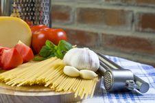 Free Basic Spaghetti Stock Images - 10359814