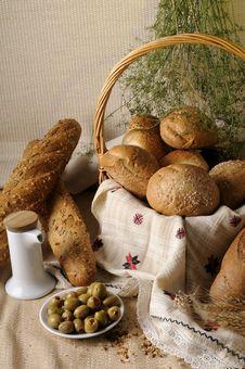 Free Bread In Basket Stock Image - 10362571