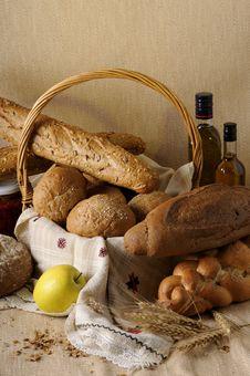 Free Bread In Basket Stock Photo - 10362620