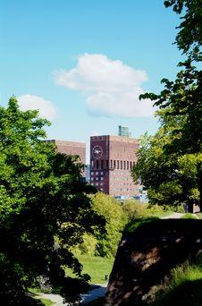 Free City-hall Of Oslo Royalty Free Stock Image - 1040026