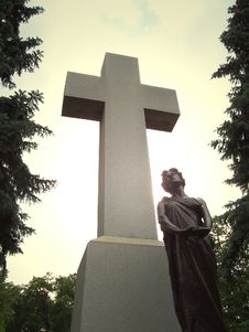 Free Cross Monument Royalty Free Stock Images - 1040629