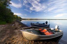 Free Shoreline Boats Stock Images - 1044594