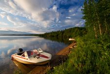 Free Beautiful Shoreline Royalty Free Stock Photo - 1044655