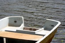 Free Little Boat Royalty Free Stock Photos - 1045238
