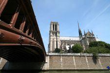 Free Notre Dame And Bridge Stock Photo - 1047870