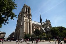 Free Notre Dame Cathedral Royalty Free Stock Images - 1047919